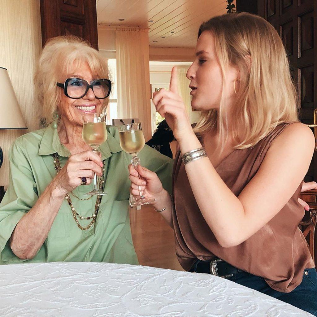 großmutter-enkelin-blog